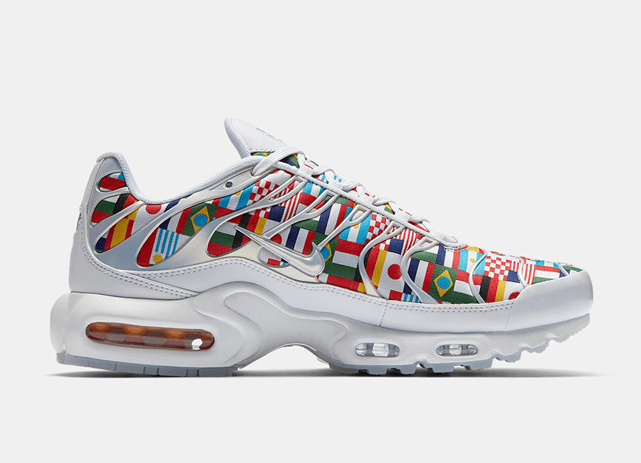 Nike Air Max Plus NIC International Flag Pack - White / Multi