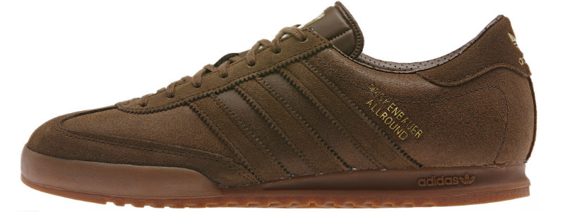 The Beckenbauer is a big pair of shoes to fill. First designed for Franz Beckenbauer, the greatest German footballer of all time, these men's shoes step up the style with coated suede uppers and overlays and a subtly translucent rubber sole.