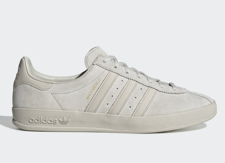 Adidas Broomfield Shoes - Raw White / Clear Brown / Gold Met